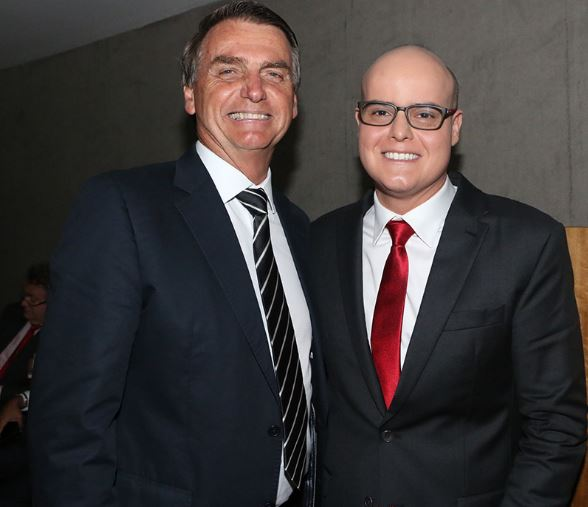 Imagem de Vidente Rodrigo Tudor num grande encontro com o Presidente Jair Bolsonaro